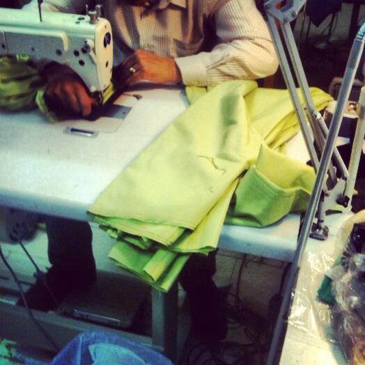KarlandBasics confecciona los uniformes de Pfizer de Samsung